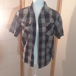 Airwalk buttondown shirt